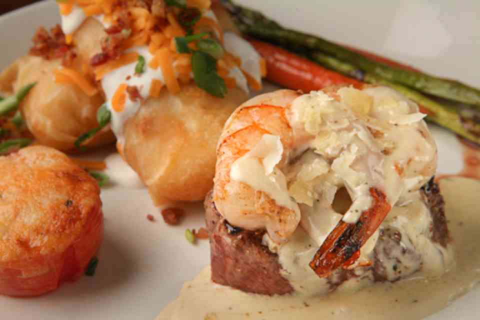 image of STEAK & RAVIOLI WITH PRAWNS